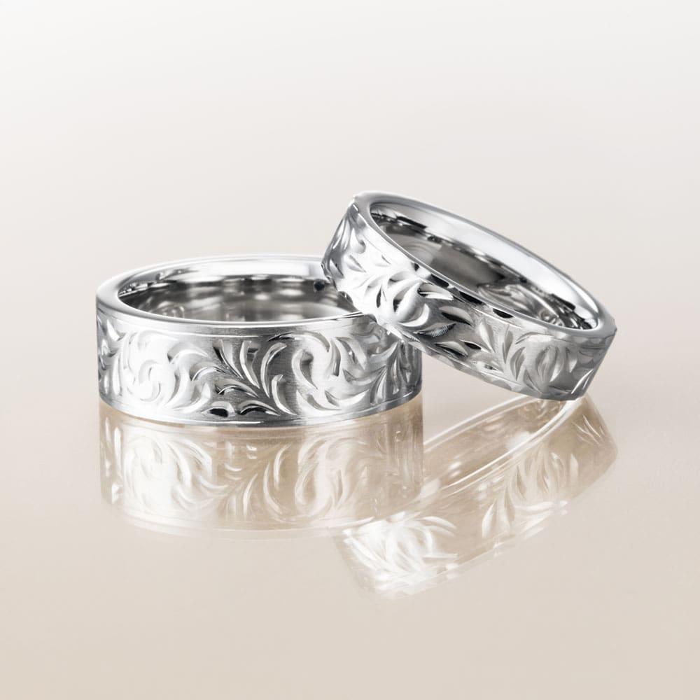 マカナ結婚指輪のプラチナ900フラットタイプの7mm幅と5mm幅です。